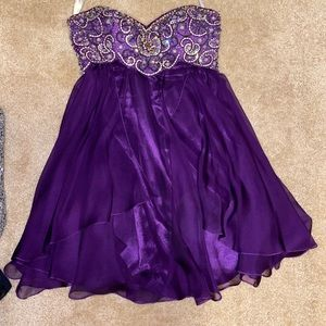 Purple Gemstone Embellished Prom/Hoco Dress